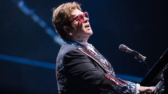 Elton John sur scène au Forsyth Barr Stadium (Nouevlle Zelande), le 4 février 2019.