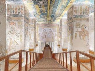 L'escalier menant au tombeau de Ramsès VI.