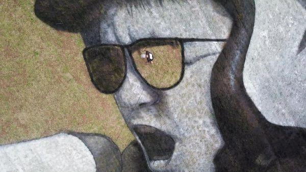 La fresque monumentale réalisée par le street-artiste Saype.